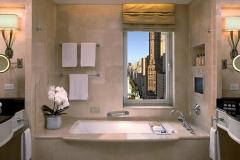 Property-ThePeninsulaNewYork-Hotel-GuestroomSuite-SuiteBathroom-ThePeninsulaHotels